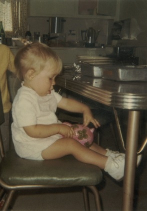1970 - 05 - 00 Brad and Julie with piggy bank - Spring 1970 crop