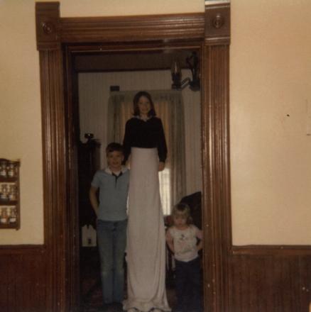 1977 - 10 - 00 Brad, Julie and Gina - Fall 1977